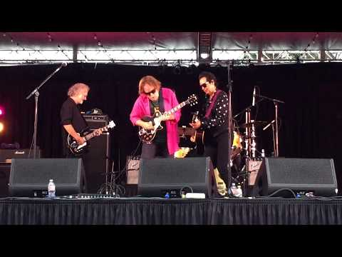 Alejandro Escovedo - Bottom of the World [LIVE]