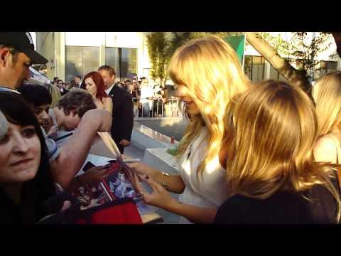 Britt Morgan carrie preston Lauren Bowles sign autographs the true blood premiere