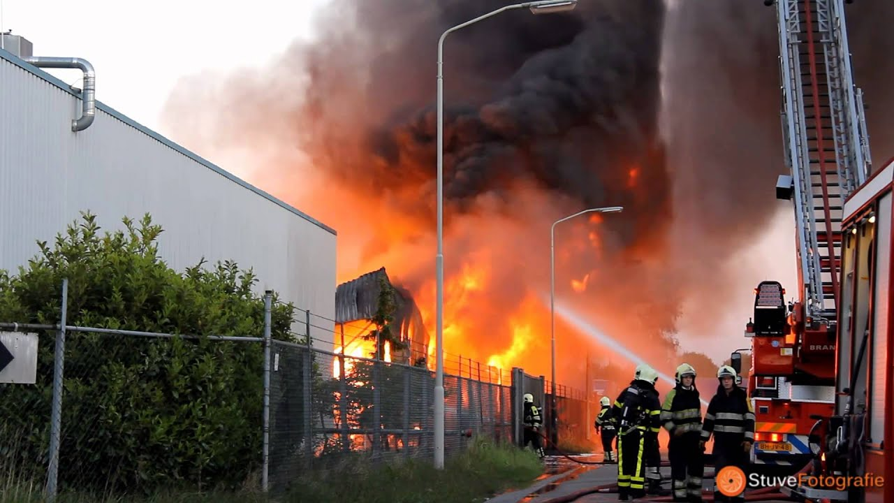 Zeer grote brand bij chemisch bedrijf ELD aan de ...