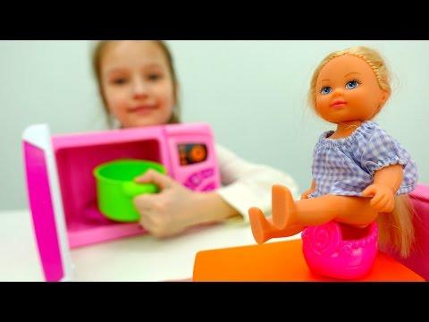 видео: Барби принцесса идет на свидание. Игры для девочек