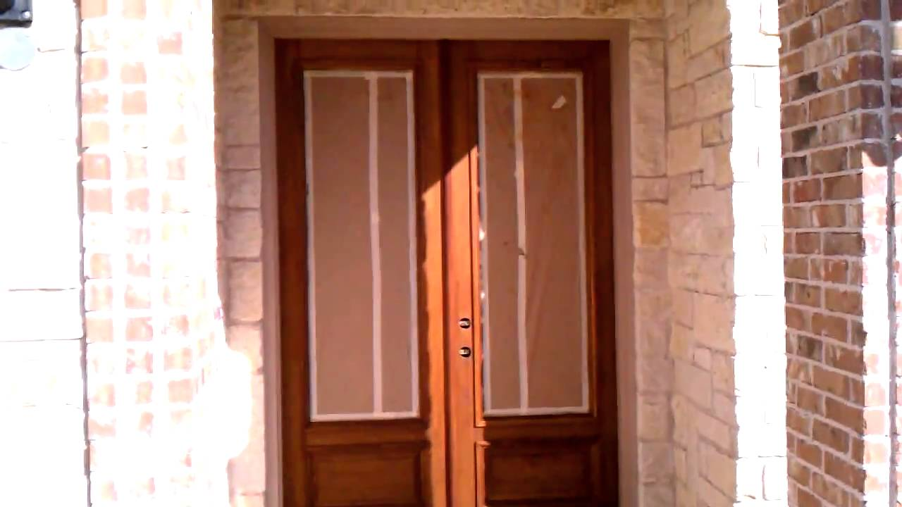 How to re stain wood front door youtube rubansaba