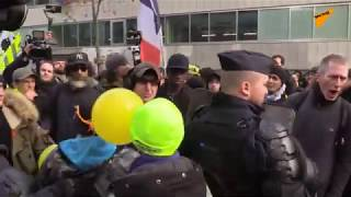 LIVE: Yellow Vests Demonstrators Gather for Rally in Paris
