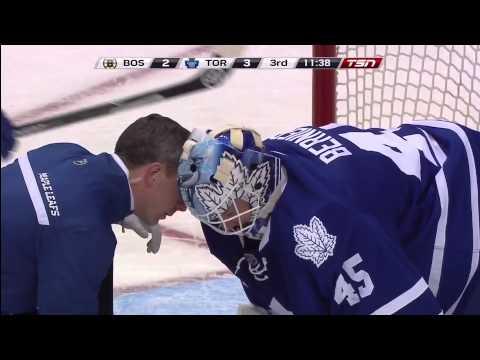 Jonathan Bernier injured against Bruins