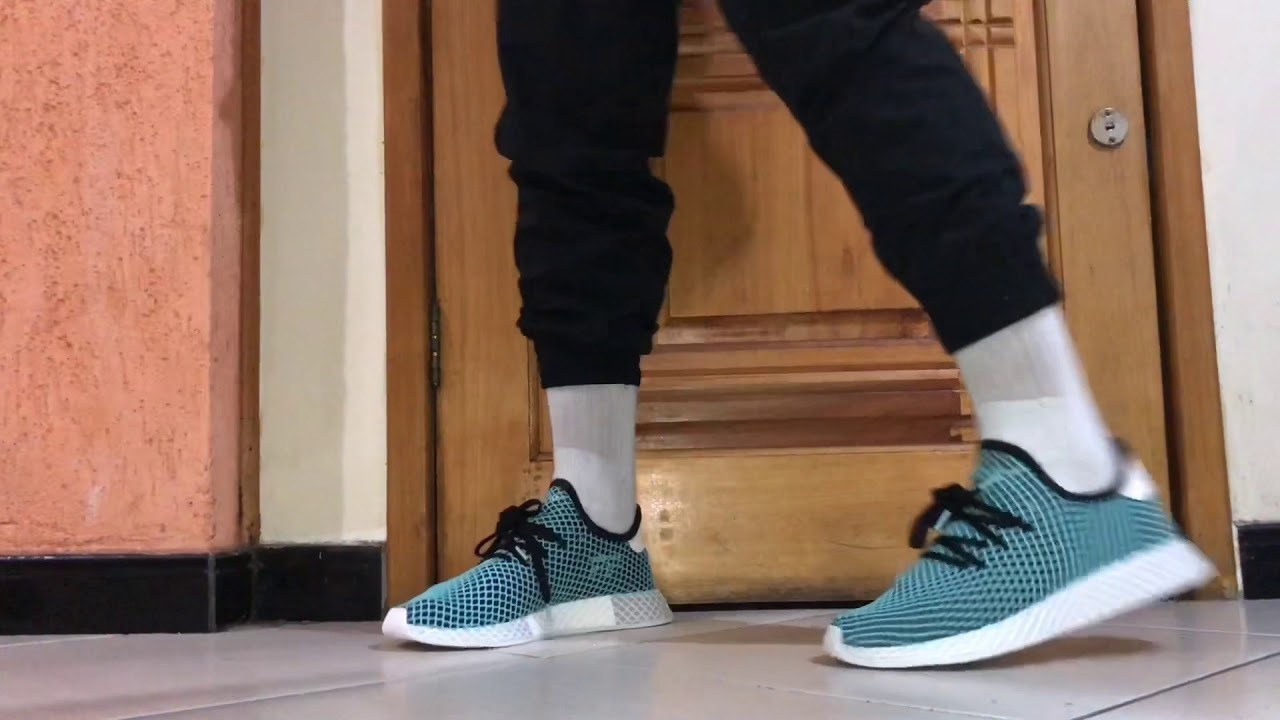 a1d671ce9 ADIDAS DEERUPT RUNNER PARLEY ON FEET - YouTube