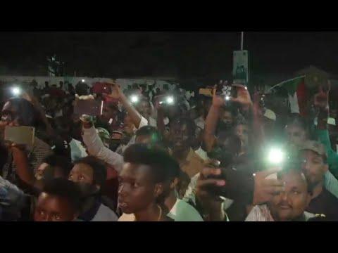 شبان ينظمون الاعتصامات الليلية في الخرطوم  - نشر قبل 23 دقيقة