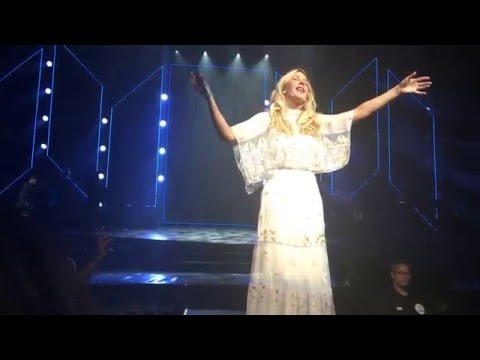 Ellie Goulding - When Doves Cry (Prince Tribute), Lights - 2016-05-05 - Saint Paul, Minnesota
