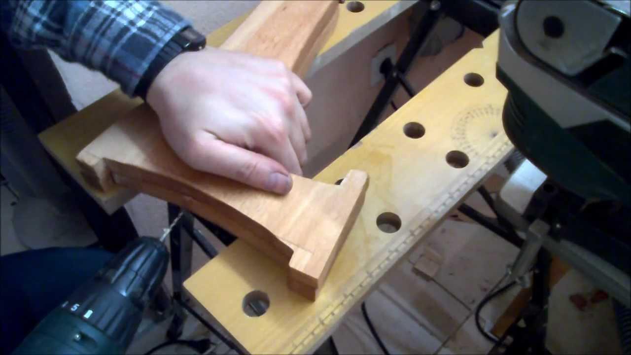 ich baue einen gitarrenst nder aus holz youtube. Black Bedroom Furniture Sets. Home Design Ideas
