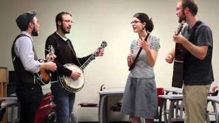 UK Bluegrass Ensemble - Pig In A Pen