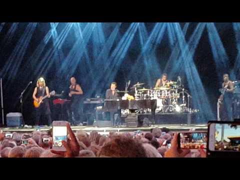 Lionel Richie - Hello (live in Stockholm 27/07/2016)