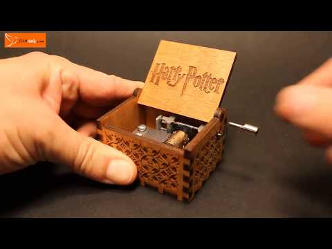 Engraved wooden music box Harry Potter   Theme