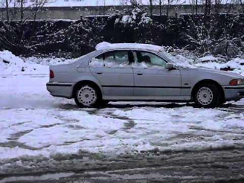 Bmw E39 520i Snow Fun.MOV