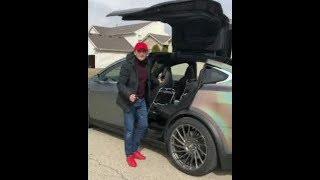 Ulugbek Rahmatullayev Yangi TESLA Elektromobilni xaydab kordi