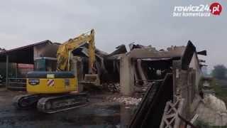 Pożar gospodarstw w Roszkówku. Wyburzanie budynków