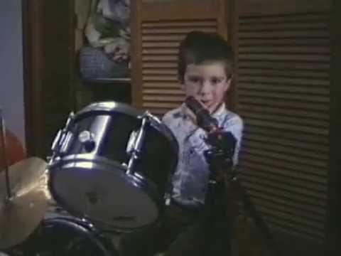 Neil Finn & Liam Finn - I Feel Possessed (1988 rehearsal)