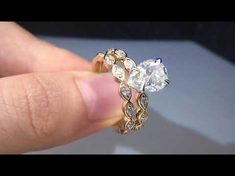 half-eternity-gold-wedding-ring-set-with-pear-cut-diamond-moissanite-gemstone