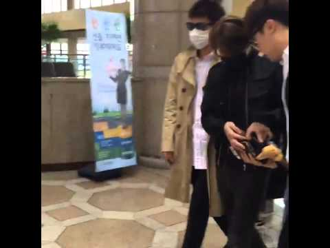 [150605] T.O.P & Daesung at Gimpo off to Beijing