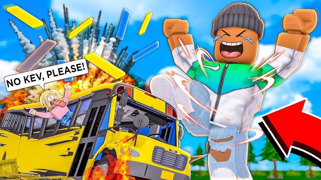 I got MAX STRENGTH and SMASHED EVERTHING in the WORLD... (Roblox) thumbnail