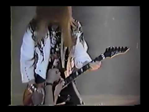 Britny Fox - In Motion (Live)