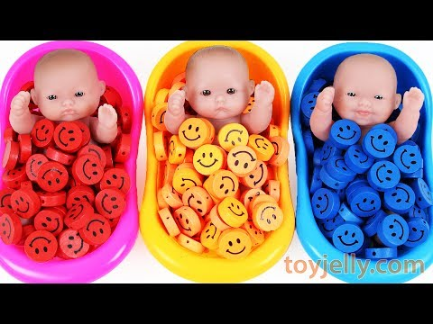 Learn Colors Baby Doll Bath Time Smiley heart Candy Surprise Eggs Kinder Joy Baby Finger Family Song