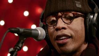 Raphael Saadiq - Good Man (Live on KEXP)