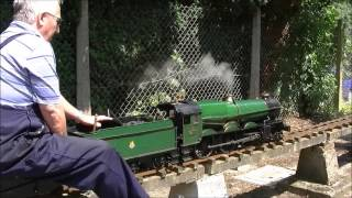 (HD) Racing a Great Western King (Miniature King James I that is!)