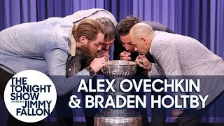 Baixar Alex Ovechkin, Braden Holtby & Triple Crown Jockey Mike Smith Drink from Stanley Cup