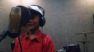 Ajeng bernyanyi (One Call Away)