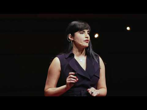 First impressions aren't what they used to be. Are yours captivating? | Zayna Rose | TEDxQueensU