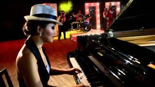 Pianist Ami-MAAMUU NAASH IR