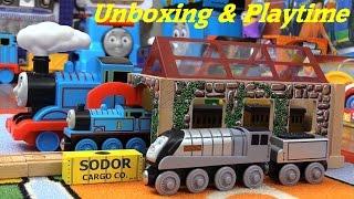 Thomas & Friends Wooden Railway Set: Transfer Yard Set + Talking Spencer, Annie And Clarabel