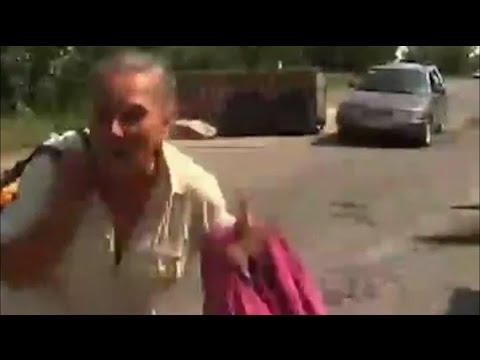 Украина.Террористы расстреливали жителей Лисичанска,которые оставляли город