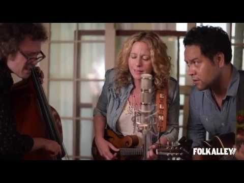 "Folk Alley Sessions: Amy Helm & The Handsome Strangers - ""Deep Water"""