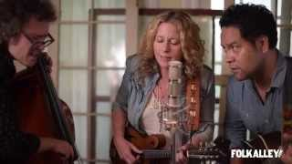 """Folk Alley Sessions: Amy Helm & The Handsome Strangers - """"Deep Water"""""""
