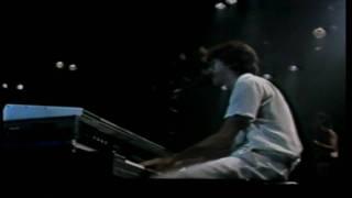 [HD] 02- Charly Garcia- Nuevos trapos- Luna Park 1983