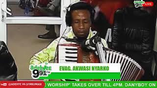 AKWASI NYARKO.. emotional.. Live worship on Adehyie Fm.