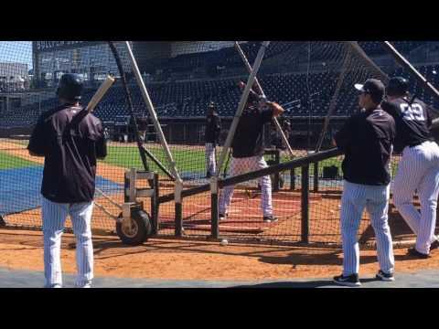 Yankees' Matt Holliday hIts BP home run off scoreboard