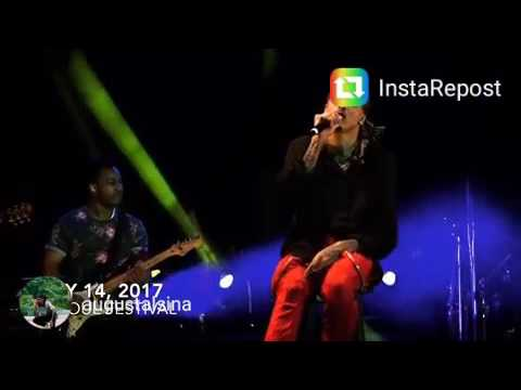 August Alsina singing at a concert while on Don't Matter tour (Part 1).