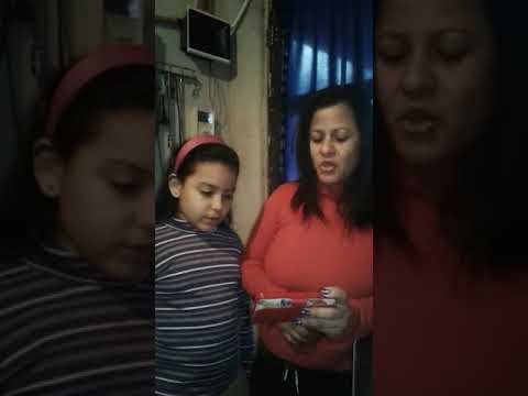 Patricia y Melani cantando excelente vos !!