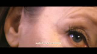 Intimità.... (clip dal film Viaggio Sola)