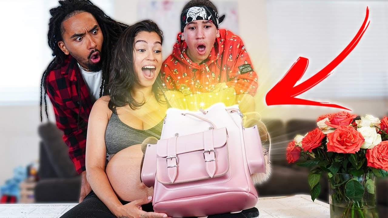 Whats INSIDE our EMERGENCY BABY DELIVERY Bag?! 😳
