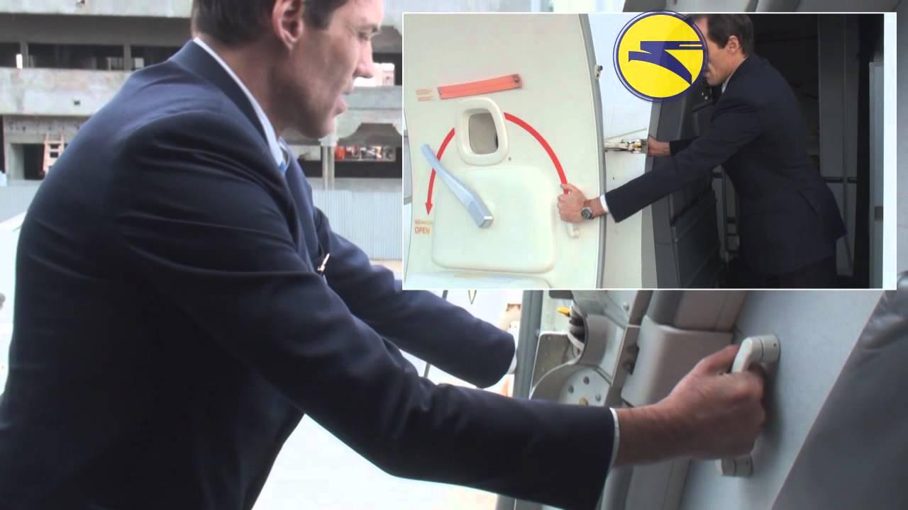 Boeing 737 Door Operation Youtube