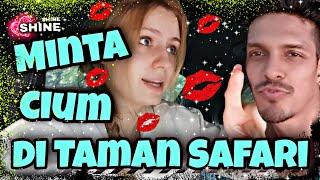 Download lagu Suami Ngak Ada Otak Minta Cium Di Taman Safari Saat Liburan Keluarga - Video Lucu - Video Viral