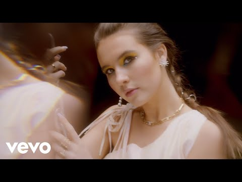 Mimi Webb - Reasons (Official Music Video)