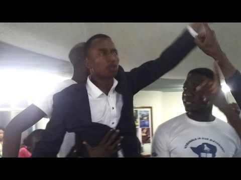 Mugabe  and  Nyagura must go  ZINASU UZ.