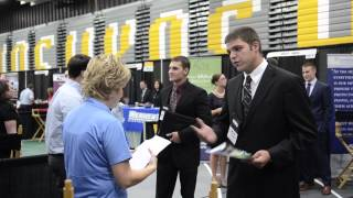 UW Oshkosh Today: Students, employers see huge benefit in Career Fair on the Fox