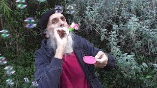 Wizened Wizard Blows Bubbles ◔_◔  ¸¸.•*¨*•♪♫