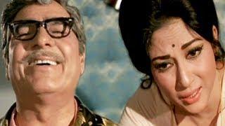 Mala Sinha's father laugh on her   Sanjog   Emotional Scene 17/28