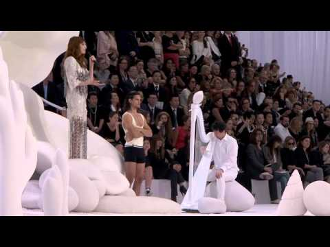 Florence & The Machine Performing @ The Chanel Show