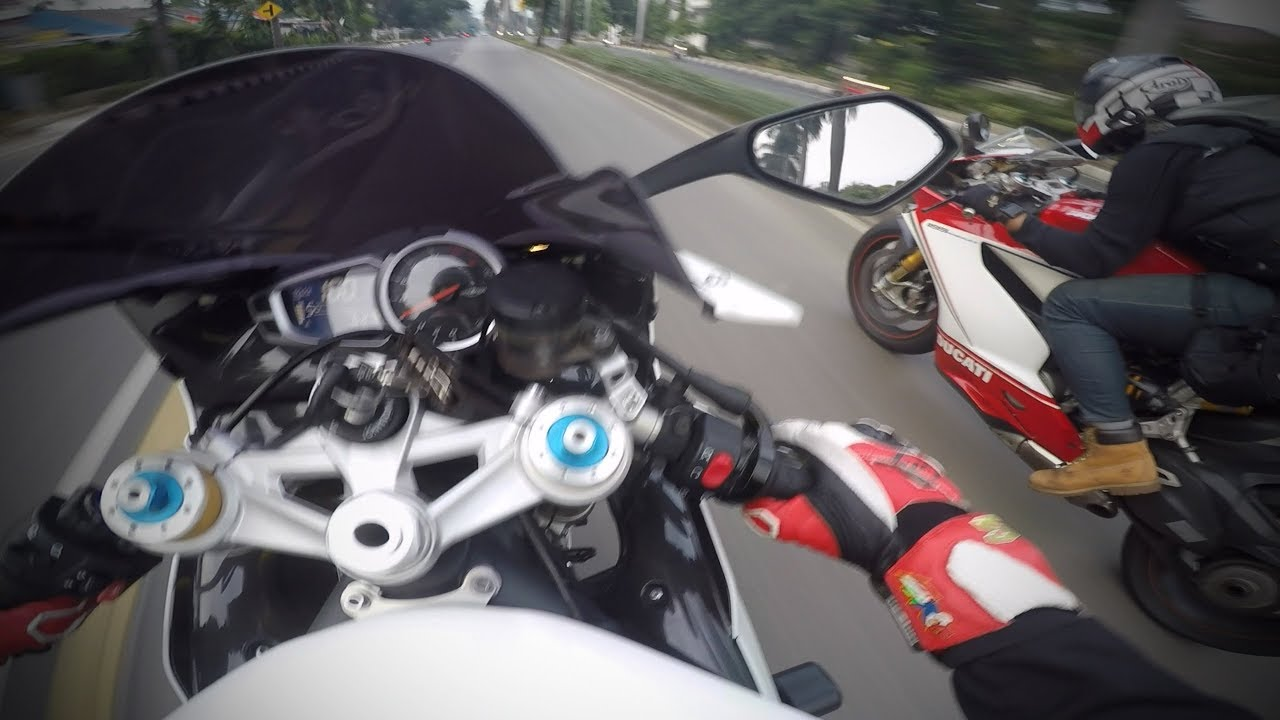 The Pure Sound Of Triumph Daytona 675r Youtube