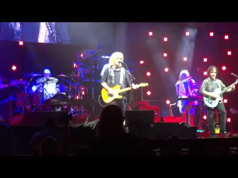 Daryl Hall & John Oates Live - Did it in a minute...